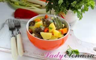 Печень говяжья с луком и картошкой