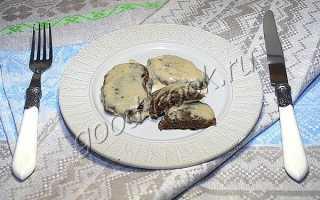 Печеночные оладьи в сметанном соусе рецепт