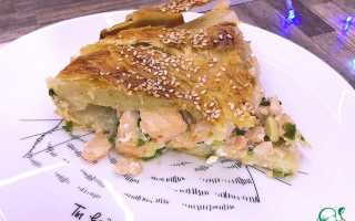 Пирог с форелью из слоеного теста