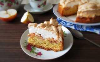 Пирог с яблоками и меренгами
