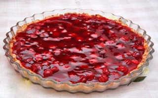 Пирог с вишневым желе