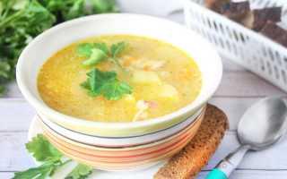 Простой куриный суп с рисом