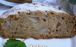 Постный пирог с грушей