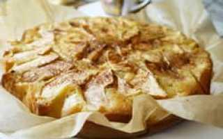 Пирог с яблоками диетический в мультиварке
