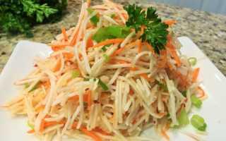 Рецепт салата из дайкона с крабовыми палочками