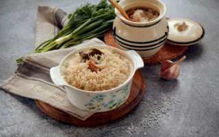 Рис запеченный в горшочках