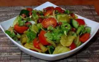 Рецепт салата с чипсами и колбасой