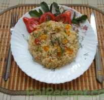 Рис на сковородке с луком и морковью