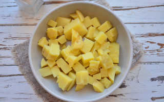 Рецепт салата с маринованными грибами и картофелем