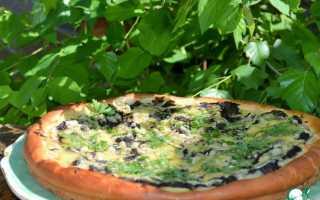 Пирог с грибной икрой и картошкой