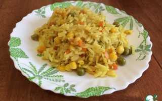 Рис с кукурузой морковью и луком