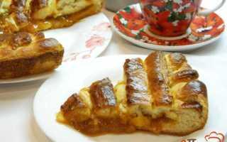 Пирог с абрикосовым джемом из дрожжевого теста