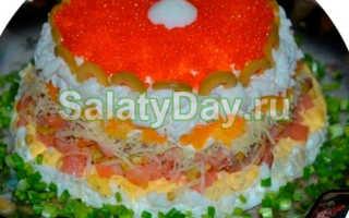 Рецепт салата с красной рыбой и икрой